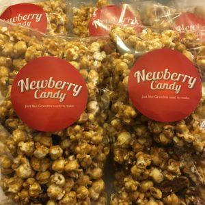 Caramel Corn with pecans 8 oz