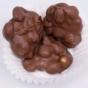 Peanuts Clusters Milk Chocolate